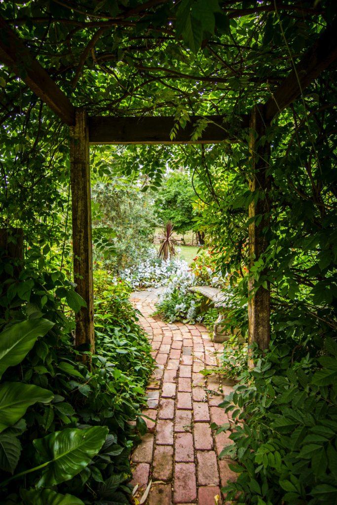 allée jardin en pavés